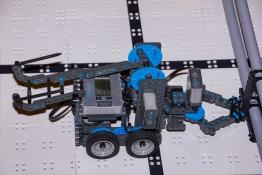 <h5>Intro to Robotics: VEX IQ</h5>